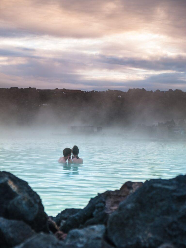 Nella terra del ghiaccio e del fuoco: 5 sorgenti calde dove rilassarsi